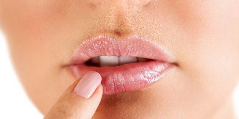 La exposición solar desencadena herpes labial | Clínica Dental Barrutia